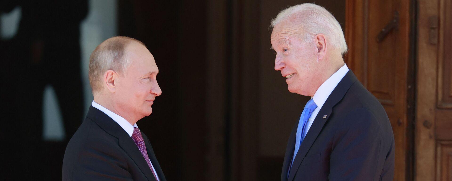 Ruský prezident Vladimir Putin na jednáních s americkým prezidentem Joe Bidenem v Ženevě - Sputnik Česká republika, 1920, 16.06.2021