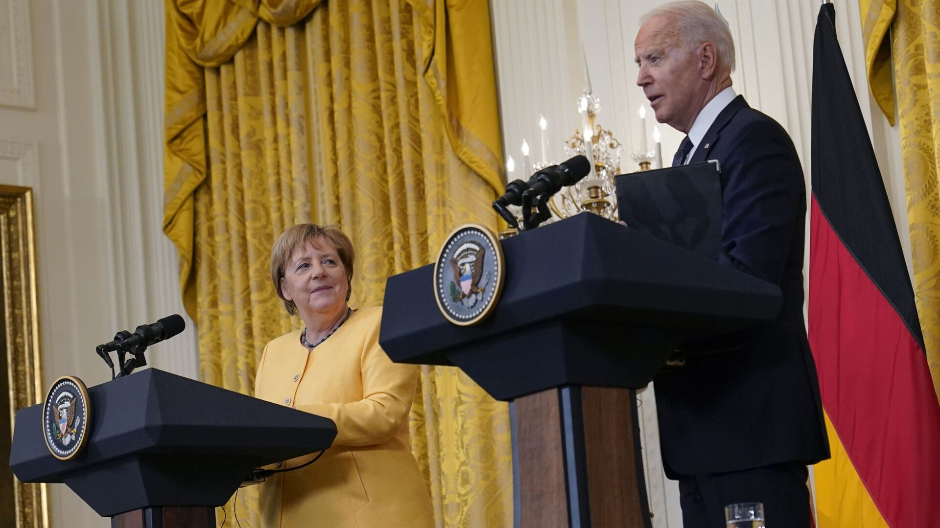 Americký prezident Biden a německá kancléřka Merkelová ve Washingtonu - Sputnik Česká republika, 1920, 23.09.2021