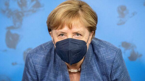 Канцлер Германии Ангела Меркель на пресс-конференции, посвященной ситуации с коронавирусом в Берлине - Sputnik Česká republika