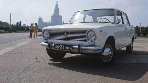 Советский легковой автомобиль ВАЗ 2101 - Sputnik Česká republika