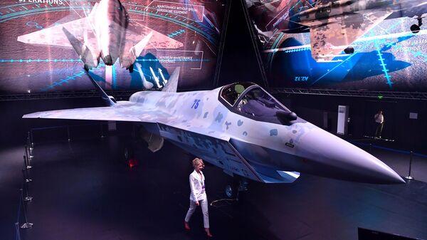 Презентация нового военного самолета Checkmate  - Sputnik Česká republika