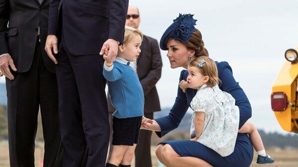 Принц Уильям, герцогиня Кембриджская Кэтрин, принц Джордж и принцесса Шарлотта во время визита в Канаду - Sputnik Česká republika