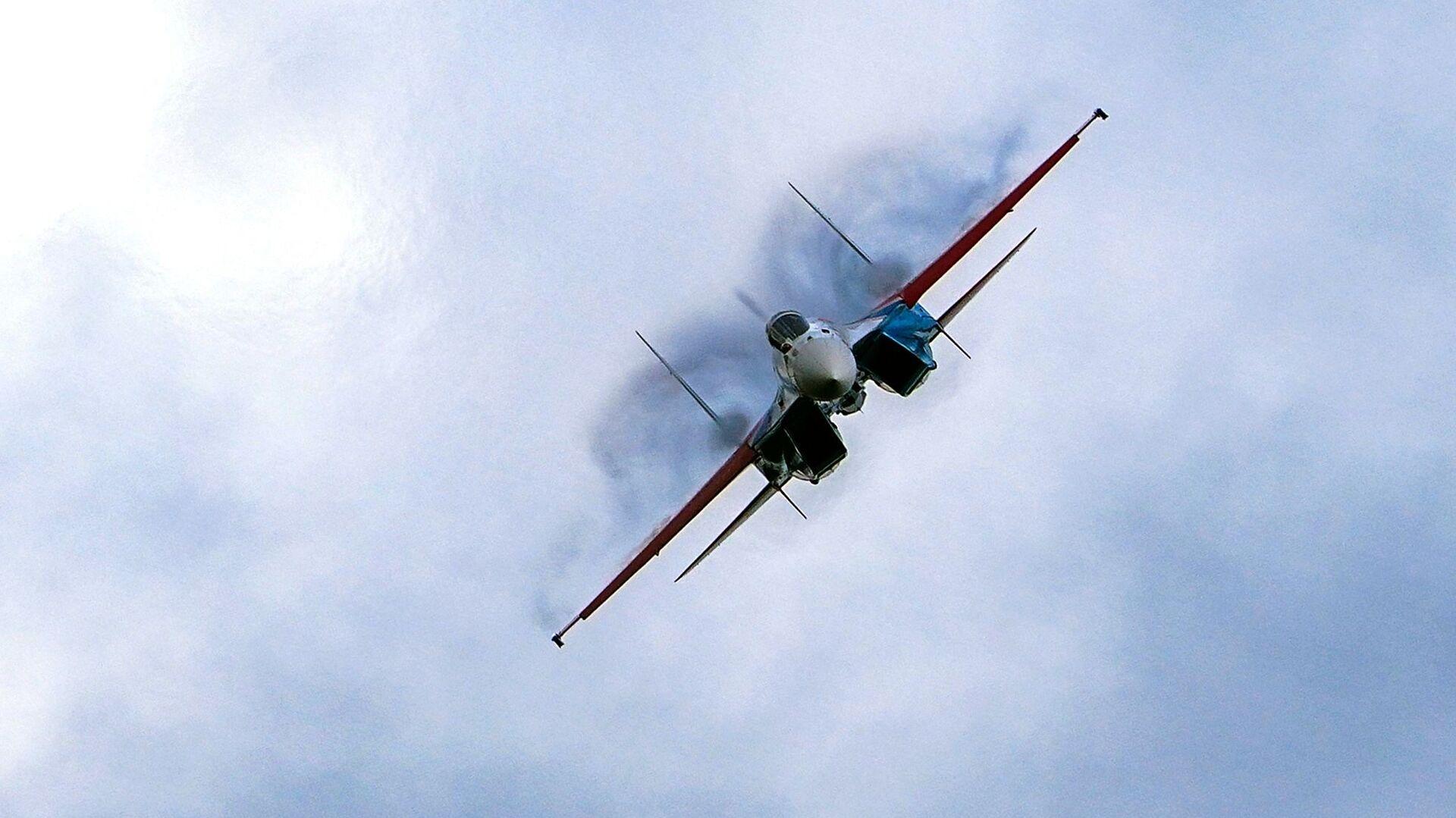 Su-35 - Sputnik Česká republika, 1920, 31.07.2021