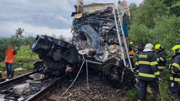 Столкновение поездов в Чехии - Sputnik Česká republika