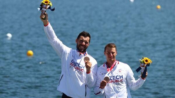 Бронзовые призеры Олимпиады-2020 из Чехии Йосеф Достал и Радек Шлоуф - Sputnik Česká republika