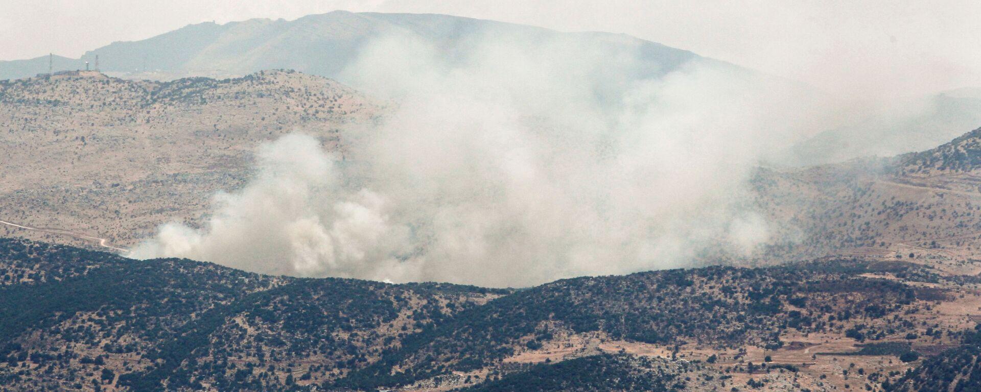 Dým po raketových útocích poblíž hranic Libanonu a Izraele  - Sputnik Česká republika, 1920, 08.08.2021