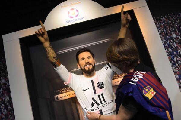 Figurína Lionela Messiho v dresu PSG v berlínském Muzeu voskových figurín Madame Tussaud. - Sputnik Česká republika