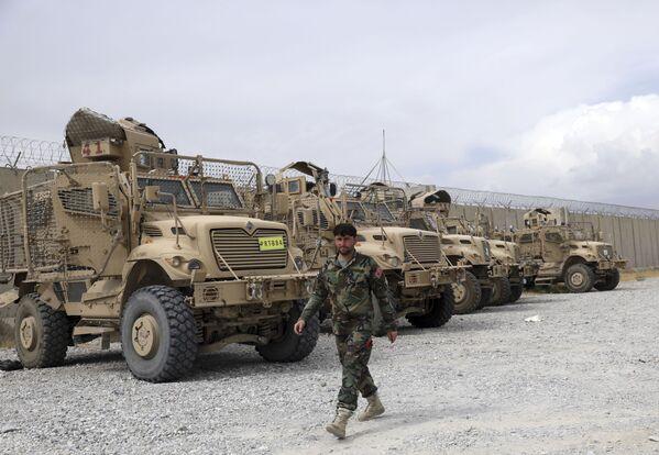 Americké obrněné vozy MRAP na základně Bagrám v Afghánistánu - Sputnik Česká republika