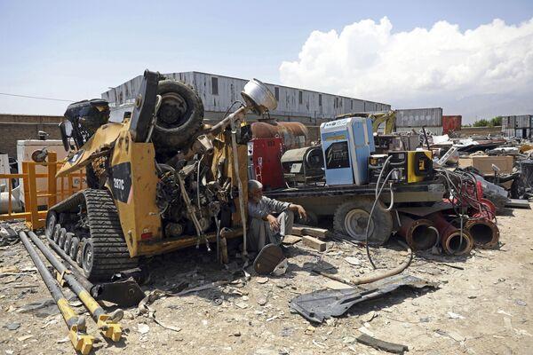 Zničené stroje na základně Bagrám v Afghánistánu - Sputnik Česká republika