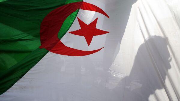 Flaga Algierii - Sputnik Česká republika