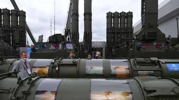 Protivzdušný raketový systém Antej-4000 - Sputnik Česká republika