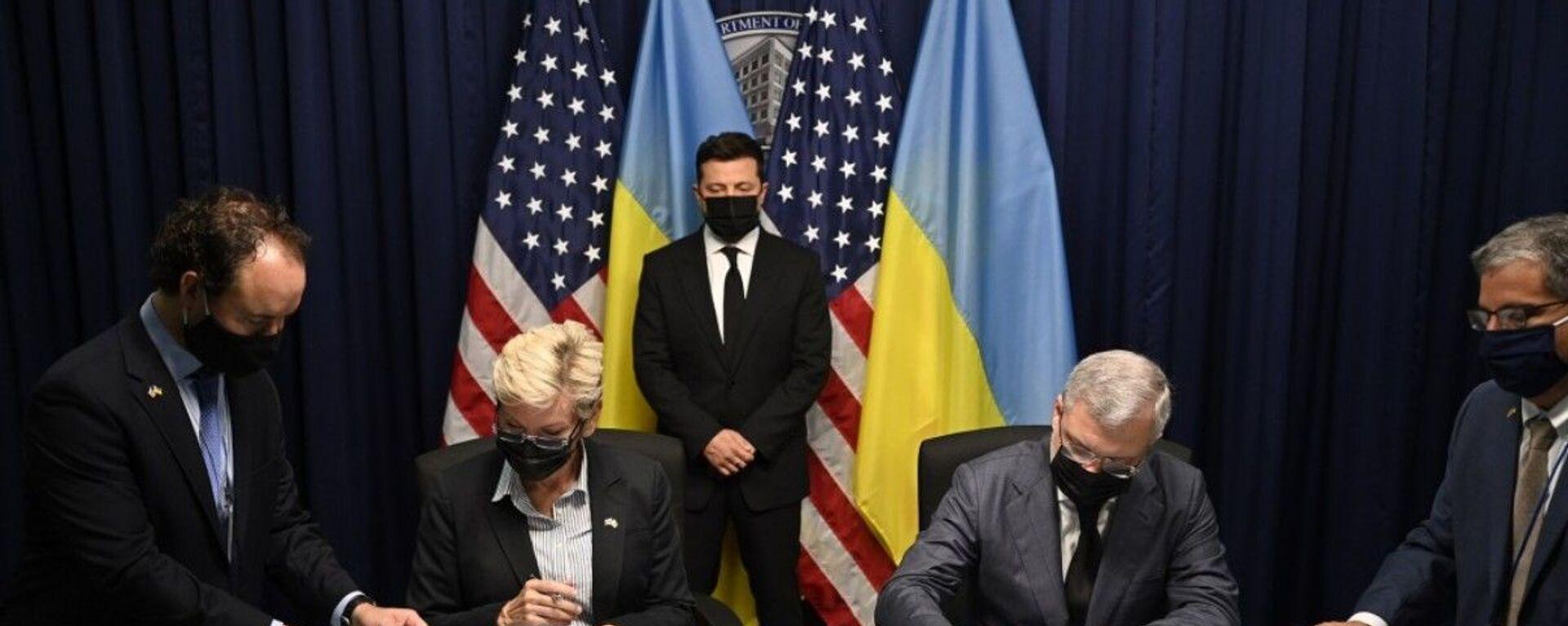 Ukrajinský prezident Volodymyr Zelenskyj ve Washingtonu - Sputnik Česká republika, 1920, 01.09.2021