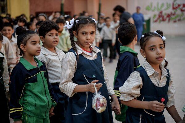 Ученики в школе Махаба в Эзбет-ан-Нахле, Египет  - Sputnik Česká republika