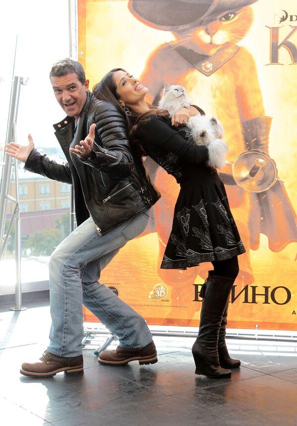Антонио Бандерас и Сальма Хаек в Москве, 2011 год - Sputnik Česká republika