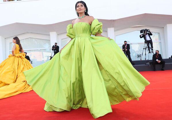 Modelka indického původu a blogerka Farhana Bodi na slavnostním zahájení 78. mezinárodního filmového festivalu v Benátkách - Sputnik Česká republika