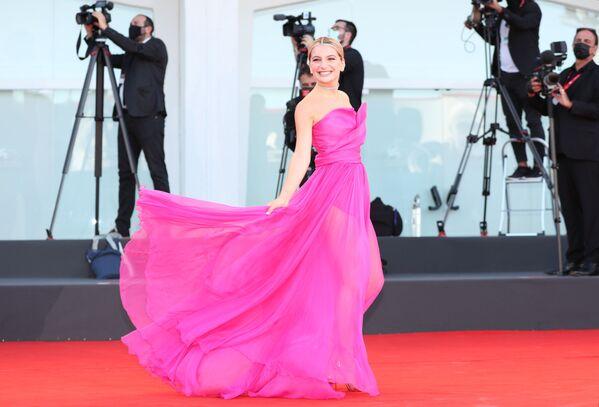 Italská herečka Marta Losito na slavnostním zahájení 78. mezinárodního filmového festivalu v Benátkách - Sputnik Česká republika