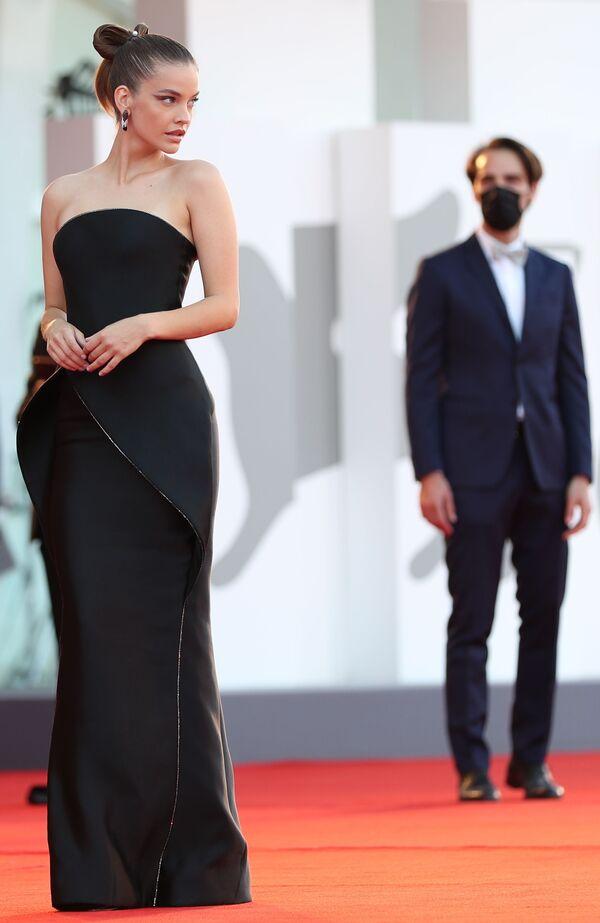 Modelka a herečka Barbara Palvinová na slavnostním zahájení 78. mezinárodního filmového festivalu v Benátkách - Sputnik Česká republika