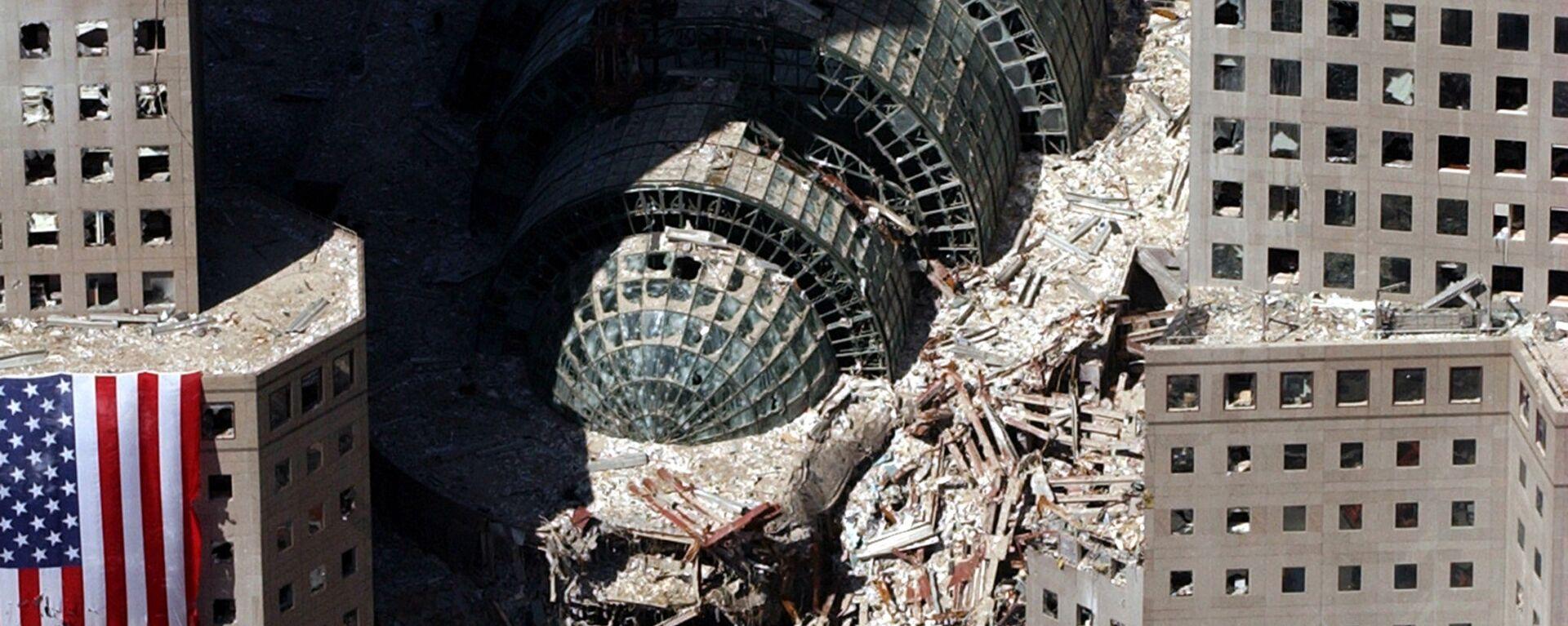 Кусок обрушившегося здания после атаки 9/11 в Нью-Йорке  - Sputnik Česká republika, 1920, 06.09.2021