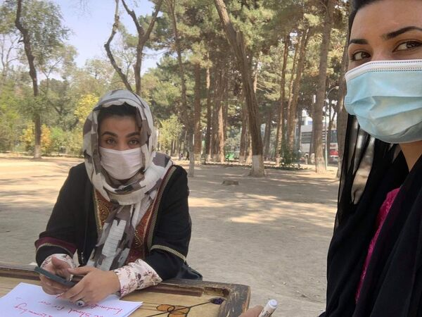 Od 25. srpna Tálibán zakazuje ženám opouštět své domovy, protože je to nebezpečné pro život, zdraví a svobodu - Sputnik Česká republika