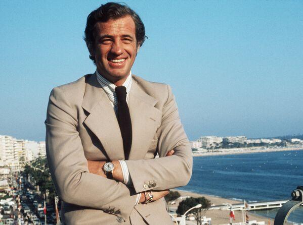 Jean-Paul Belmondo během filmového festivalu v Cannes v roce 1974 - Sputnik Česká republika