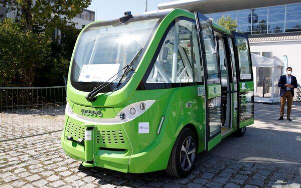 Autobus Navya před mnichovským autosalonem IAA Mobility 2021 - Sputnik Česká republika
