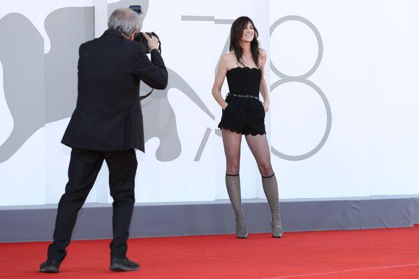 Herečka Charlotte Gainsbourgová na červeném koberci filmu Sundown - Sputnik Česká republika