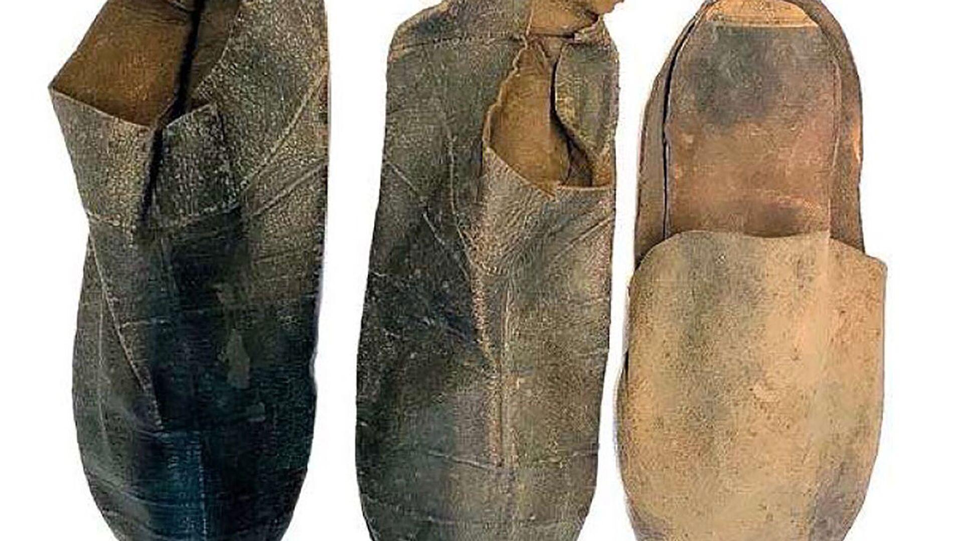 Kožené boty, které byly nalezeny v domě Michelangela - Sputnik Česká republika, 1920, 10.09.2021