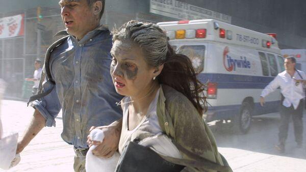 Люди убегают во время теракта в Нью-Йорке  - Sputnik Česká republika