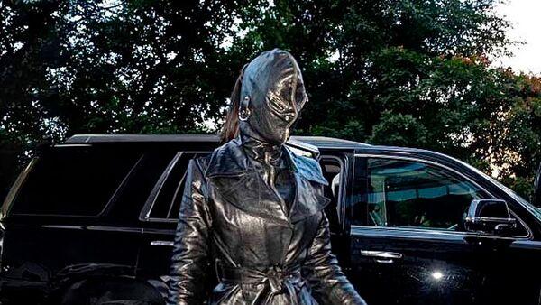 Ким Кардашьян в кожаном наряде от Balenciaga - Sputnik Česká republika