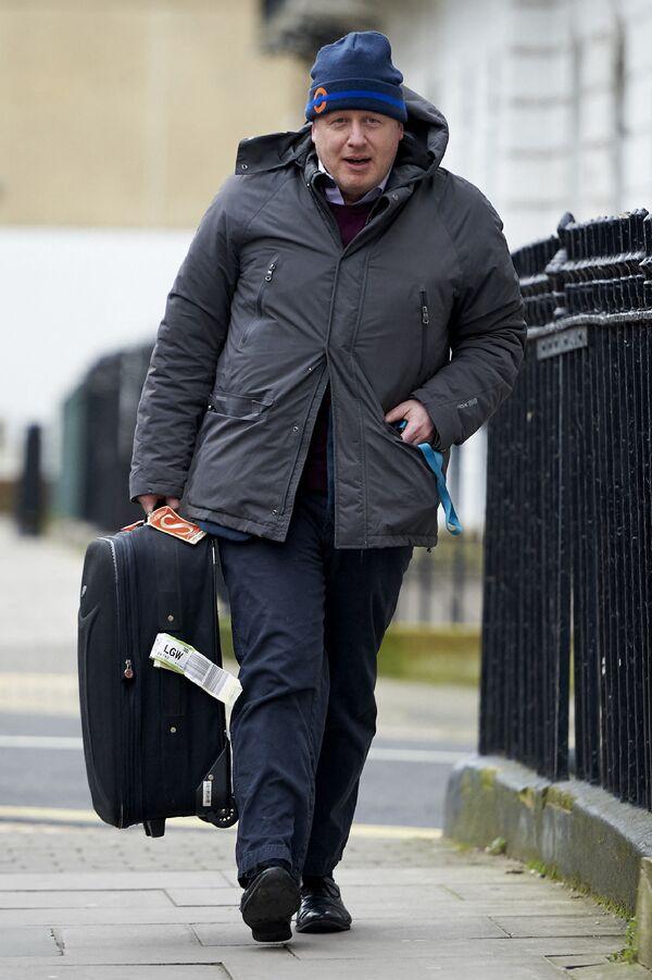 Boris Johnson přijíždí domů do Londýna - Sputnik Česká republika
