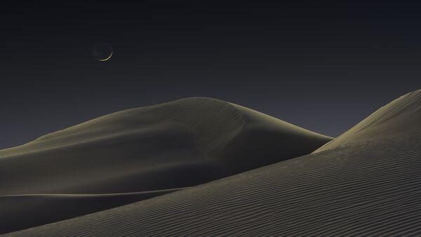 Snímek Luna Dunes amerického fotografa Jeffrey Lovelace, který zvítězil v kategorii Skyscapes soutěže Royal Observatory's Astronomy Photographer of the Year 13 - Sputnik Česká republika