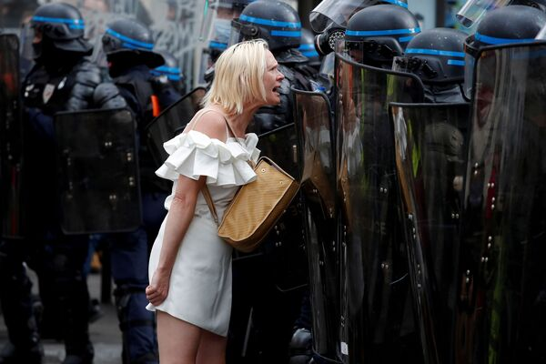 Demonstrace proti covid pasům v Paříži (11. září). - Sputnik Česká republika