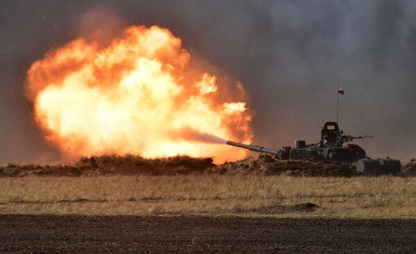 Tank T-72B3 na protiteroristických cvičeních - Sputnik Česká republika