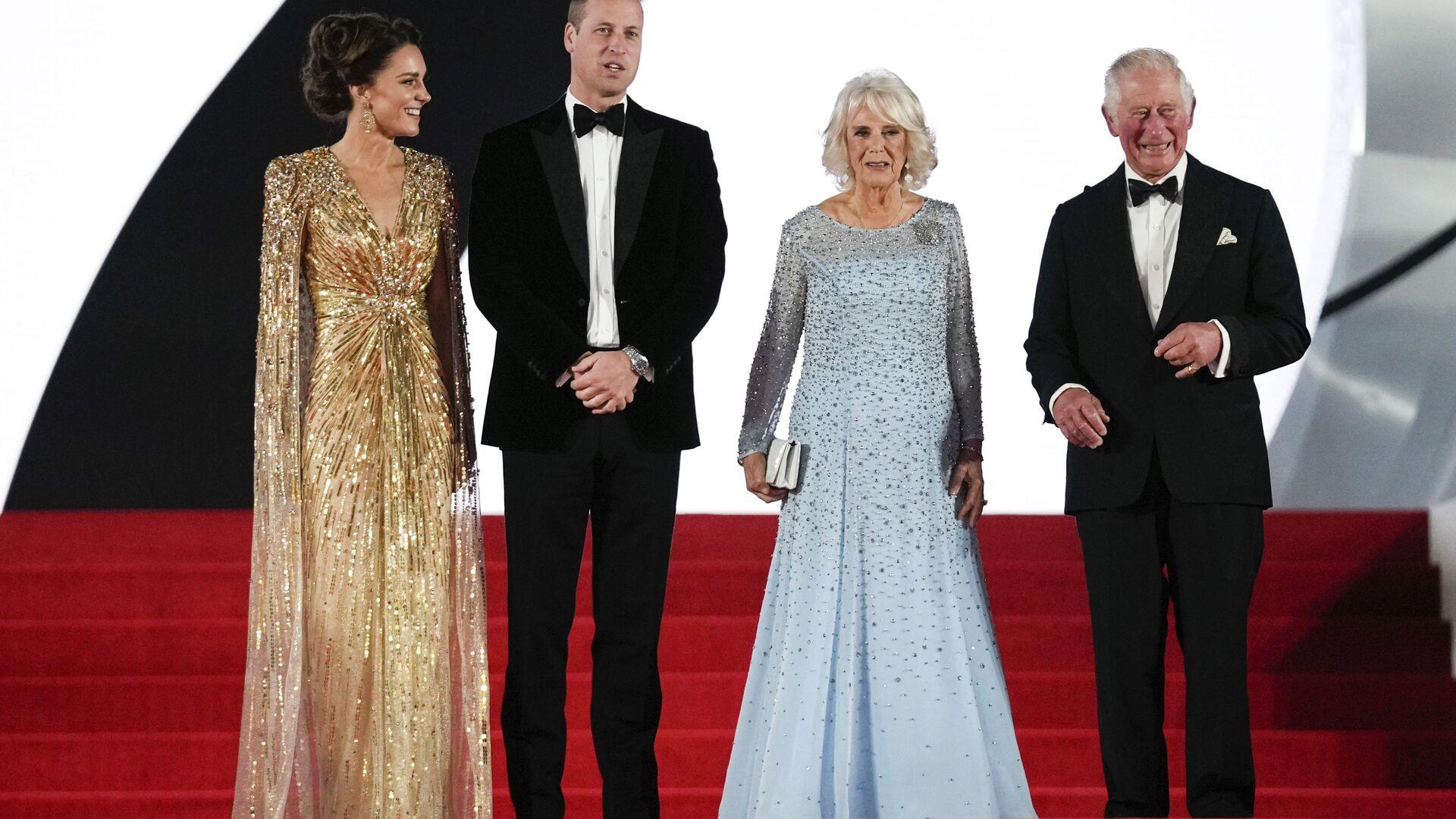 Členové královské rodiny během premiéry nového filmu s agentem 007  - Sputnik Česká republika, 1920, 29.09.2021
