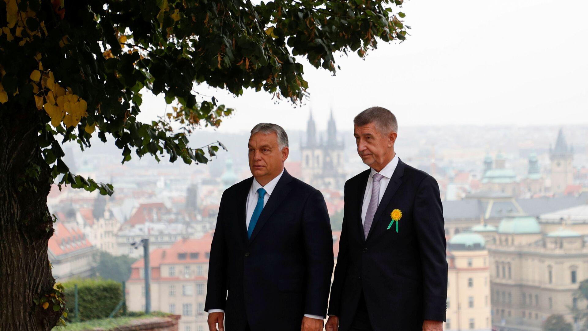 Maďarský premiér Viktor Orbán a český premiér Andrej Babiš - Sputnik Česká republika, 1920, 29.09.2021
