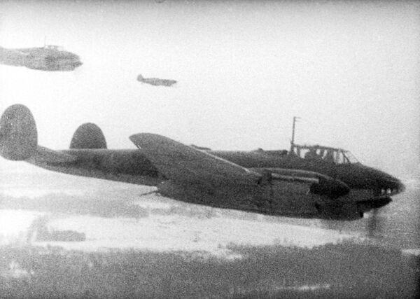 Protiútok sovětských vojsk u Moskvy. Snímek z dokumentu Moskviči v roce 1941. - Sputnik Česká republika