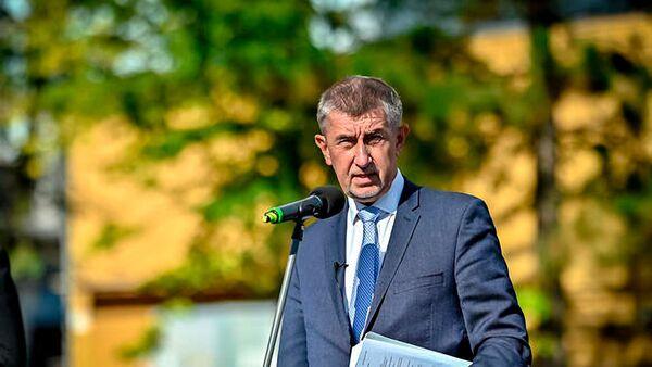 Премьер-министр Чехии Андрей Бабиш во время пресс-конференции по итогам посещения больницы и электростанции  в Чехии - Sputnik Česká republika