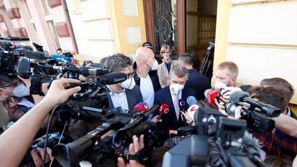 Премьер-министр Чехии и лидер партии ANO Андрей Бабиш обращается к СМИ в Ловосице, Чехия  - Sputnik Česká republika