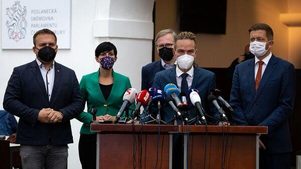 Cовместная пресс-конференции лидеров коалиций Spolu и PirSTAN - Sputnik Česká republika