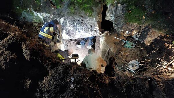 Спасение таксы из-под завалов в Чехии - Sputnik Česká republika