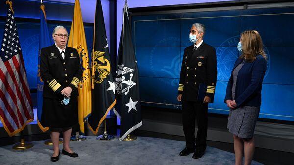 Administrativa Bílého domu udělila trans ženě Rachel Levineové hodnost čtyřhvězdičkového admirála - Sputnik Česká republika