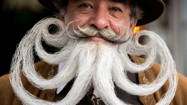 Участник чемпионата Германии Moustache and Beard Championships 2021 в Эгинг-ам-Зее, Германия - Sputnik Česká republika
