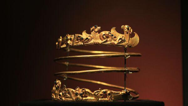 Предмет из коллекции скифского золота, выставленный в музее Амстердама - Sputnik Česká republika