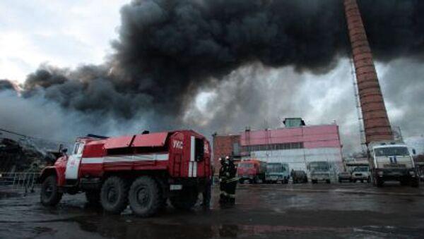 Likvidace následků požáru v obchodním centru Admirál v Kazani - Sputnik Česká republika
