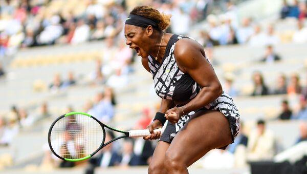 Američanka Serena Williamsová na French Open - Sputnik Česká republika
