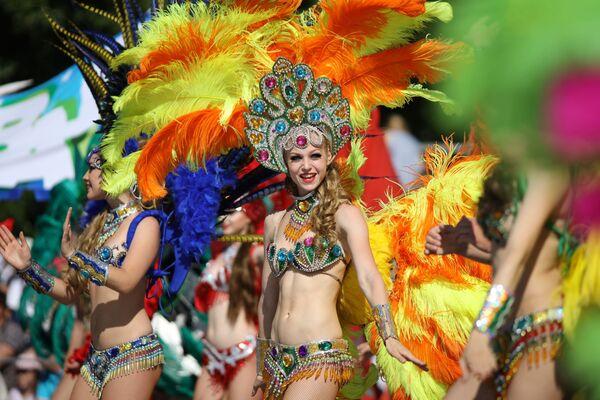 Účastníci karnevalu v ruském městě Gelendžik. - Sputnik Česká republika