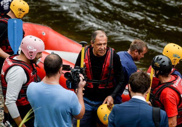 Sergej Lavrov na raftu - Sputnik Česká republika