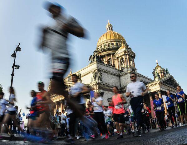 Účastníci závodu SPIEF v rámci Petrohradského mezinárodního ekonomického fóru. - Sputnik Česká republika