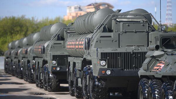 Protiletadlové raketové systémy S-400 - Sputnik Česká republika