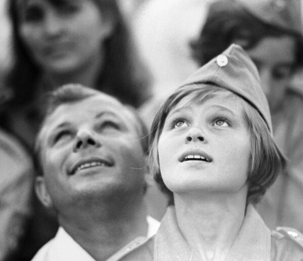 Kosmonaut Jurij Gagarin jako čestný host v Artěku, 1967 - Sputnik Česká republika